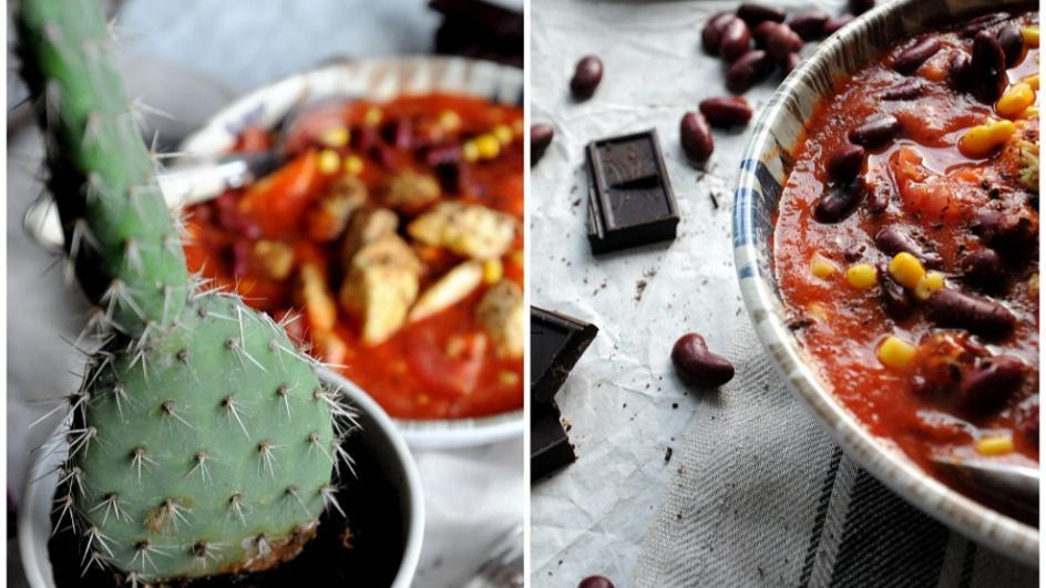 Zupa meksykańska z kurczakiem i czekoladą