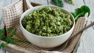 Orez cu avocado si legume verzi