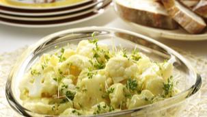 Blumenkohlsalat mit Curry-Joghurt-Dressing