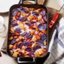 Lila Kartoffel-Urmöhren-Hähnchen-Gratin