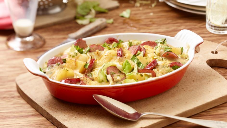Spitzkohl-Kartoffel-Gratin mit Cabanossi