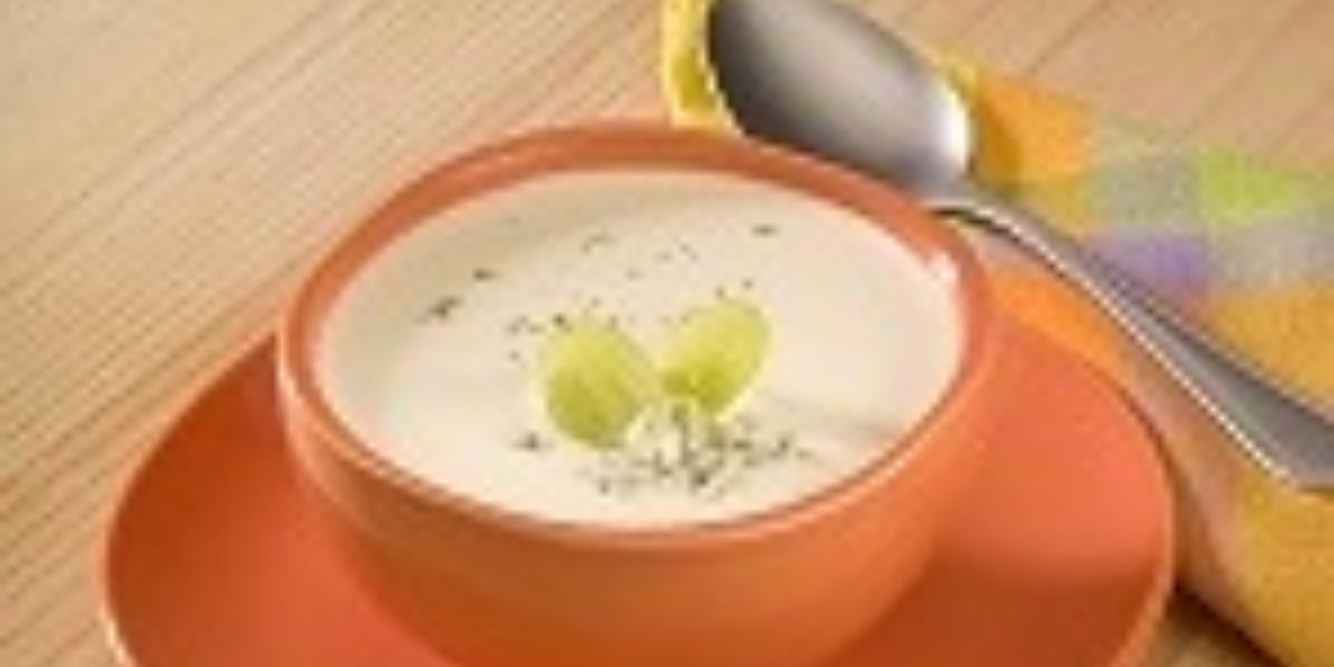 crema de queso con uvas