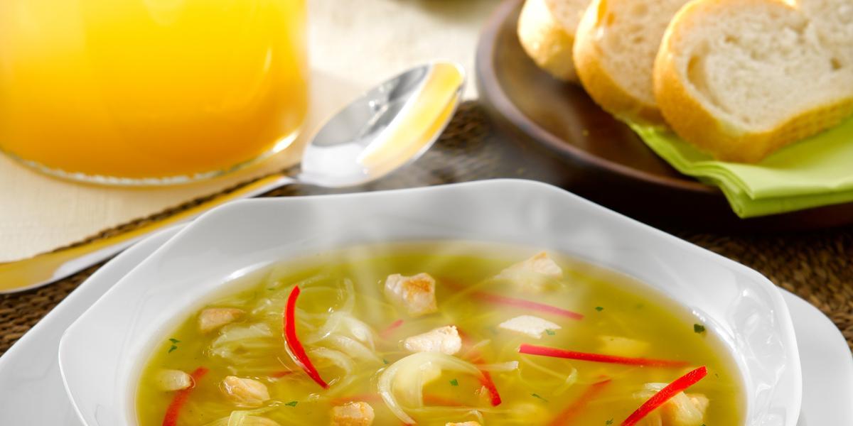 Sopa de Pollo a la Mediterránea