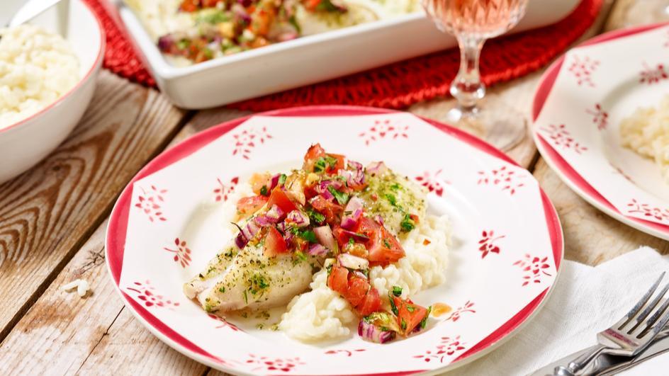 Mediterraner Ofenfisch mit Tomaten
