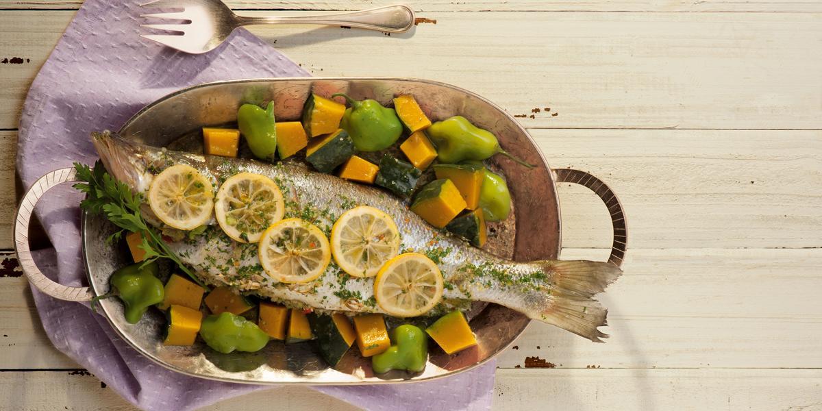 peixe-assado-farofa-aromatica-receitas-nestle
