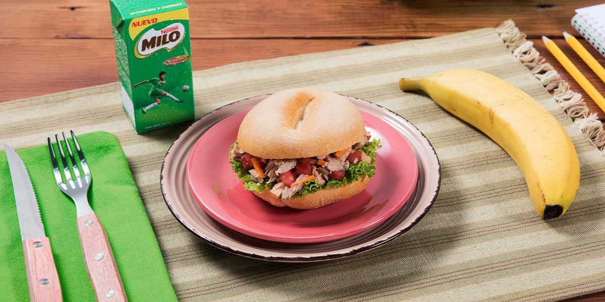 Sándwich de Atún con Tomate y Plátano