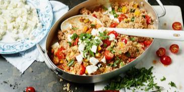 Quinoa Gemüse Salat mit Feta