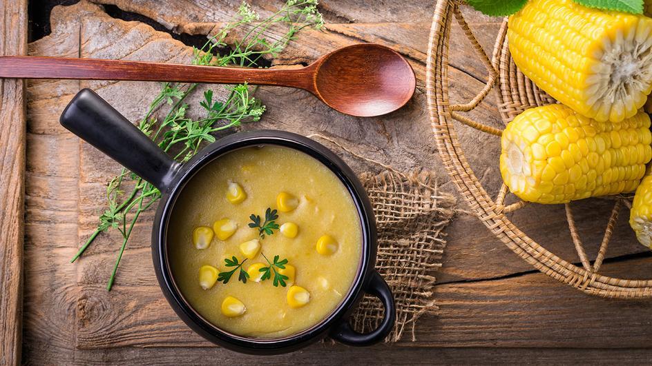 Kukuřičná polévka s kuřecím masem