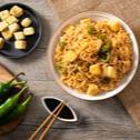 Ricetta Noodles XXL al gusto pollo con tofu croccante e cipolla