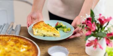 Bunter Gemüse-Kuchen mit Feta