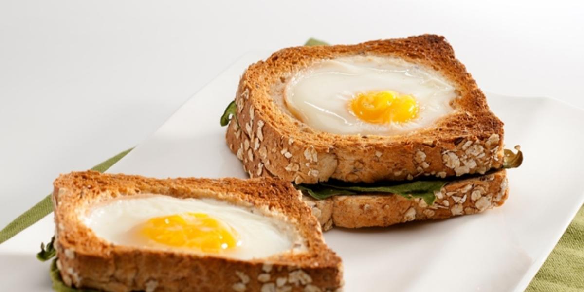 Huevos con espinaca y jamón