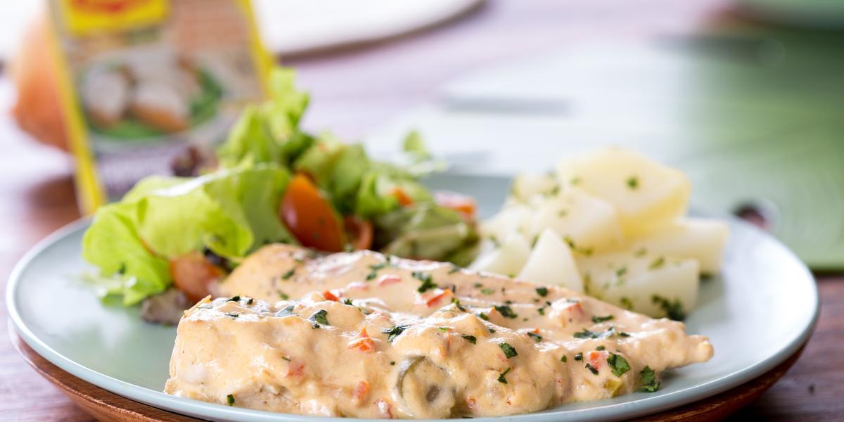 Pechuga de Pollo en Salsa de Queso y Jalapeño