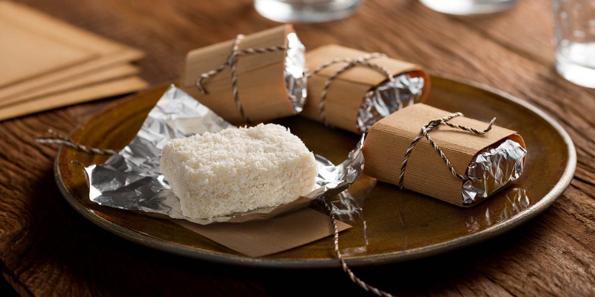 bolo-gelado-coco-chandelle-chocolate-branco-receitas-nestle