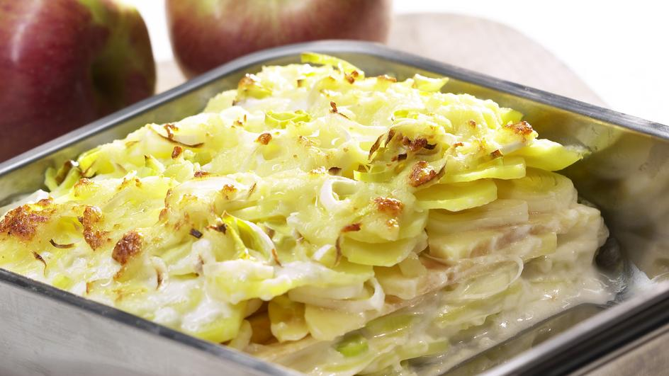 Kartoffel-Gratin mit Lauch und Apfel
