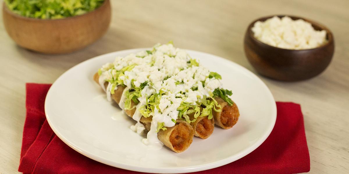 Tacos dorados de chicharrón