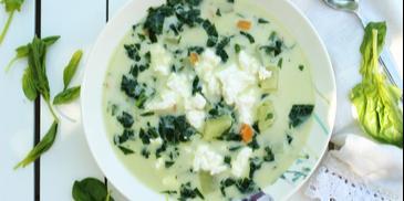 Zupa szpinakowa z serem feta