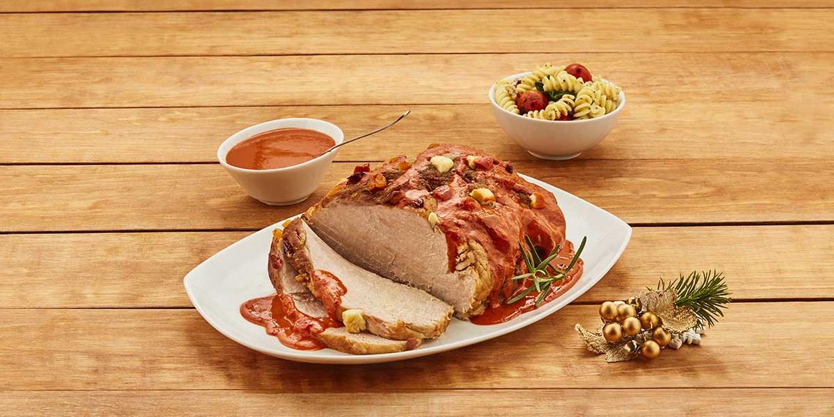 Pierna de cerdo en salsa de tres chiles