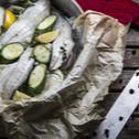 Λαυράκι φιλέτο με λαχανικά στο φούρνο