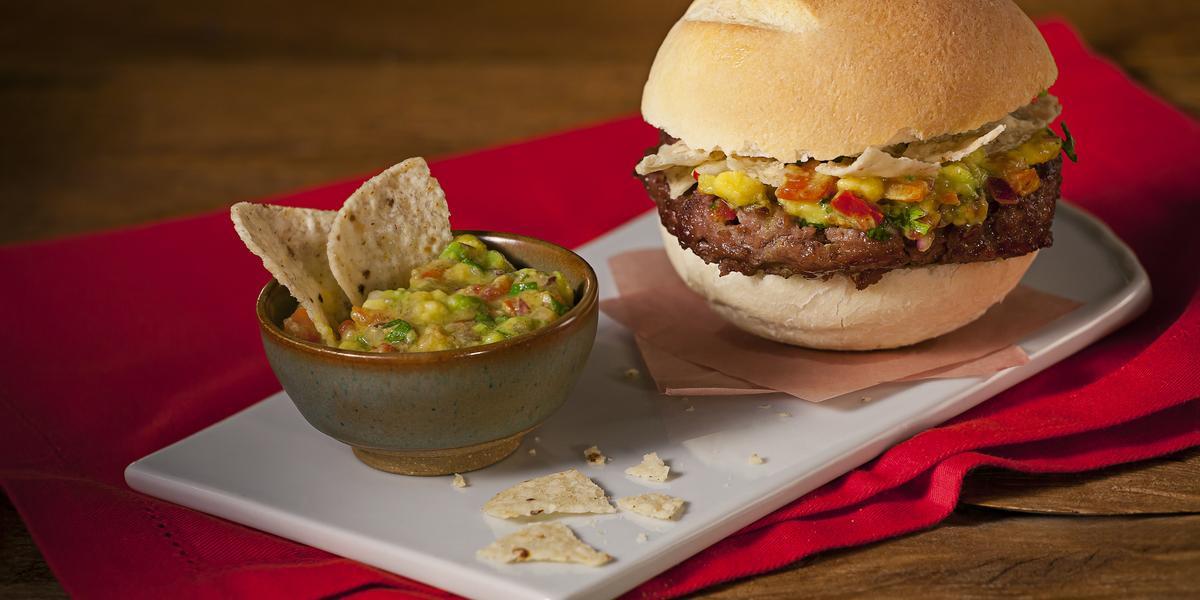 hamburguer-caseiro-toque-mexicano-receitas-nestle