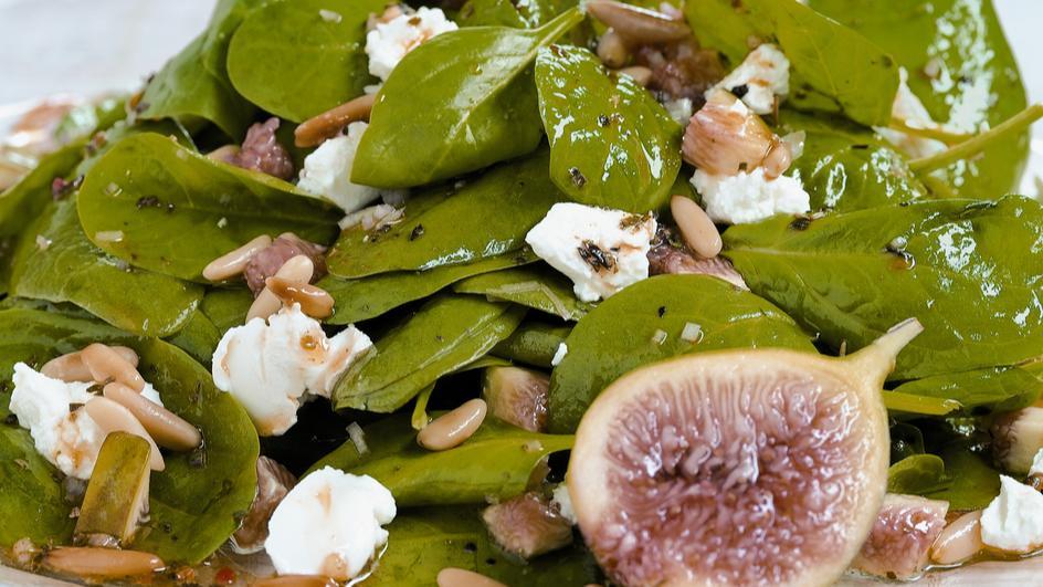 Spinatsalat mit Feigen und Ziegenfrischkäse