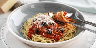 Spaghetti with Black Olives and Creamy Tomato Sauce