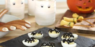 Gefüllte Eier für Halloween