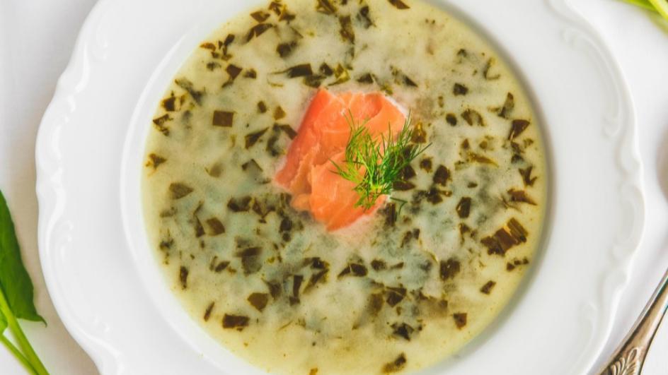 Zupa szczawiowa z łososiem
