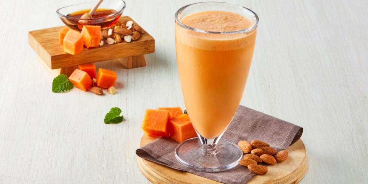 Agua de papaya con naranja