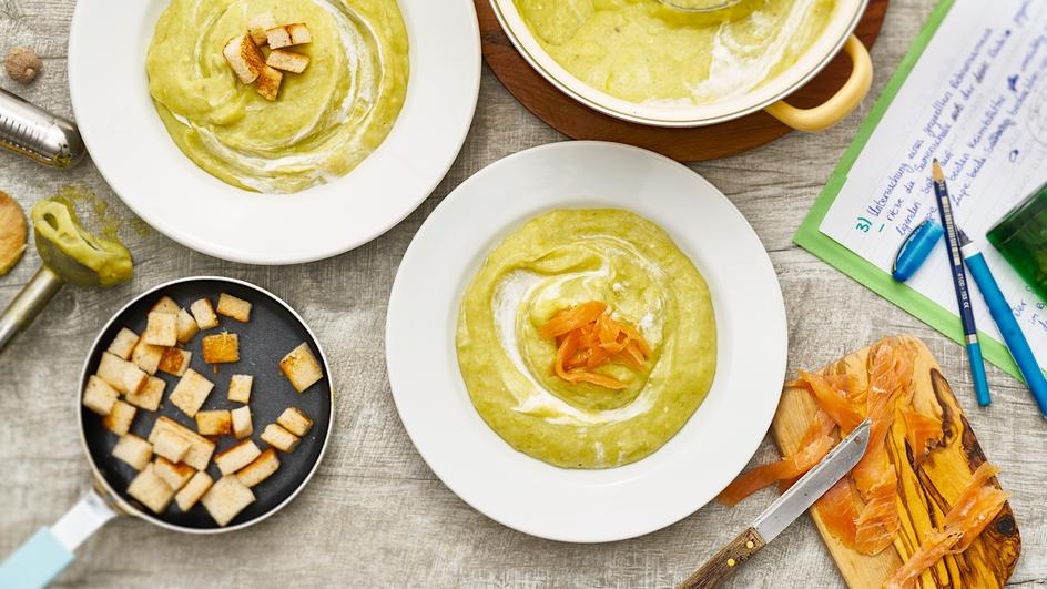 Kartoffel-Lauch Suppe mit Croutons