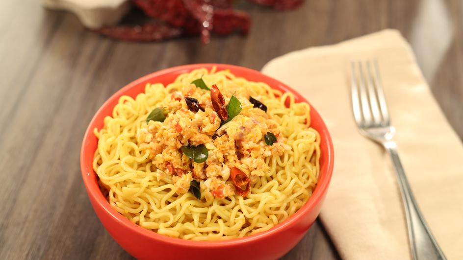 Curry Lemon Egg Bhurji MAGGI Noodles Recipe