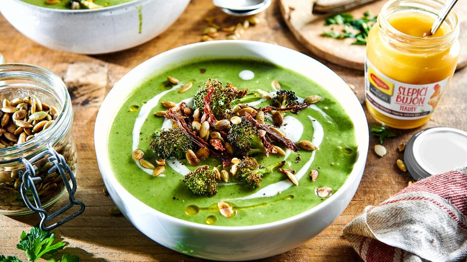 Krémová brokolicová polévka s česnekem