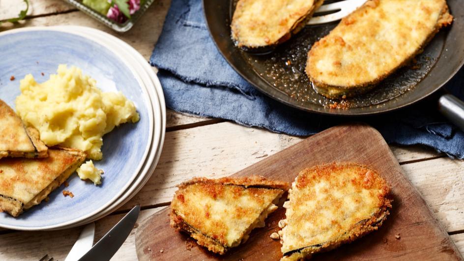 Gefüllte Auberginenschnitzel mit Kartoffelstampf