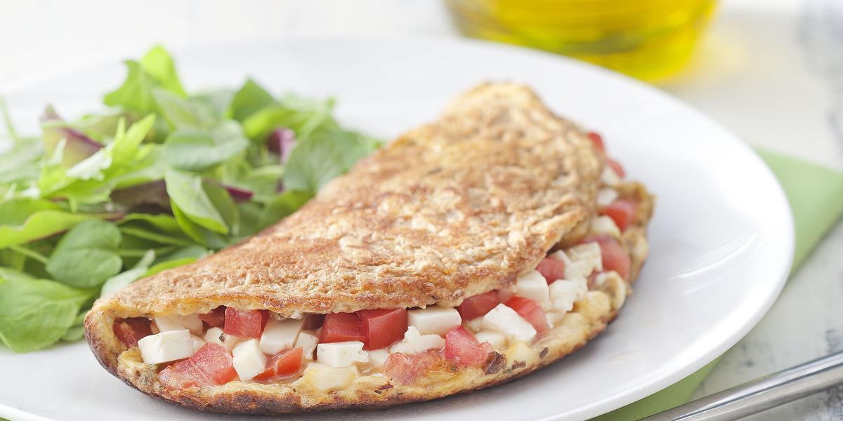 omelete-integral-queijo-branco-tomate-oregano-receitas-nestle