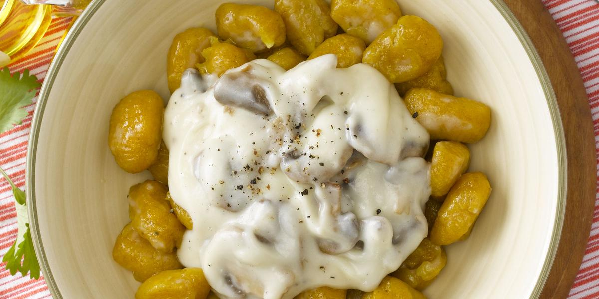 Gnocchi de Zapallo con Salsa de Queso y Champiñones