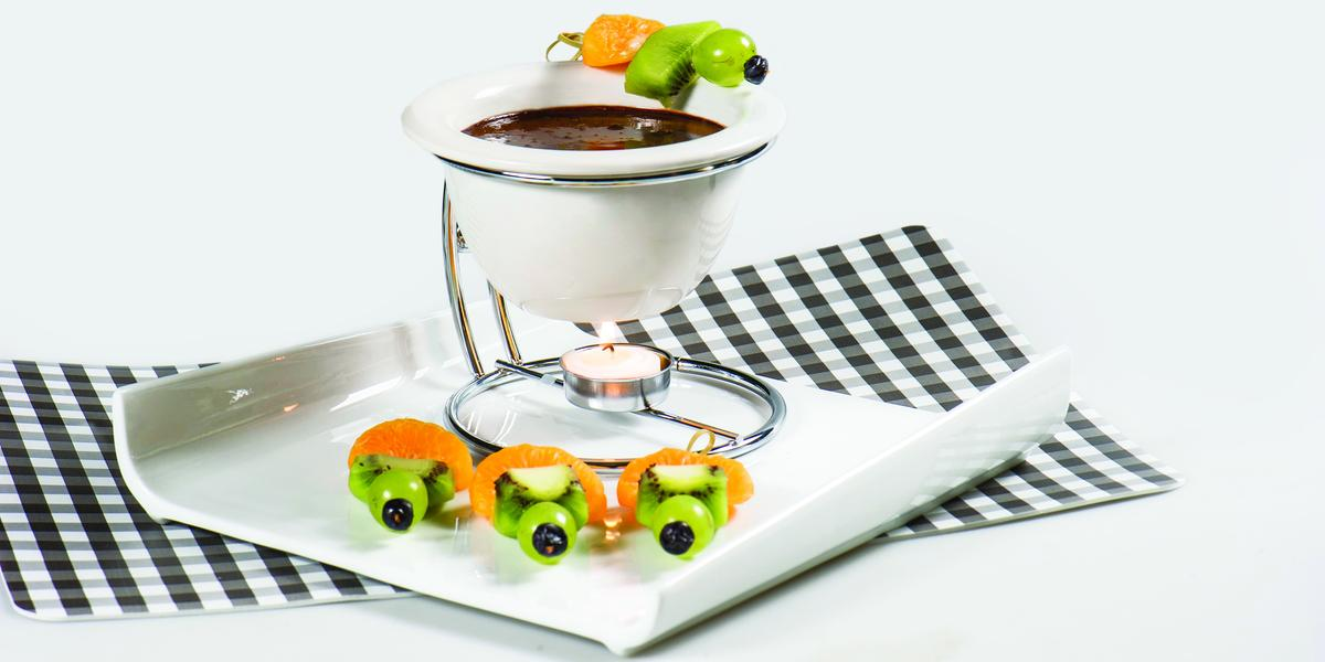 Fondue de Chocolate Semi Amargo con Frutos de Estación