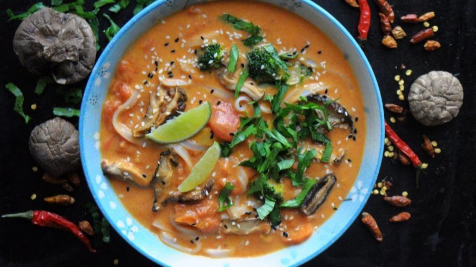 Wegetariańska zupa tajska