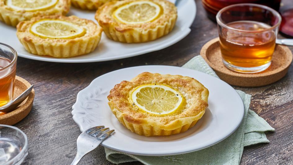 Zitronen-Pinienkern-Tarteletts
