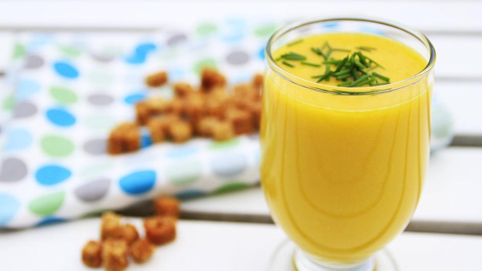 Zupa krem z papryki i kukurydzy z awokado