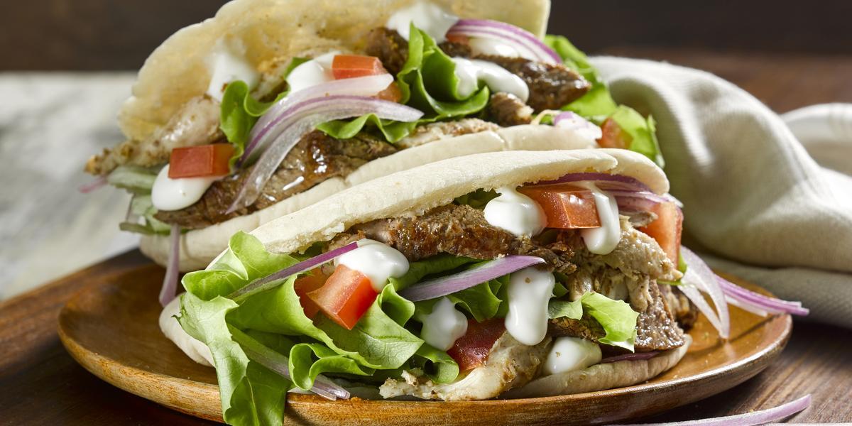 Shawarma de pollo y carne asada