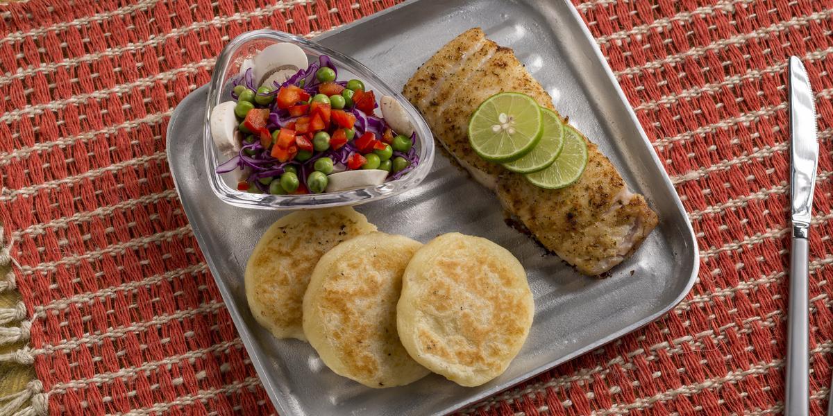 Tortillas De Zanahoria Blanca Y Filete De Corvina Recetas Nestle La zanahoria blanca es considerada un súper alimento (nombre científico: tortillas de zanahoria blanca y filete de corvina