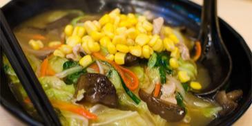 Zupa chińska z kukurydzą i jajkiem