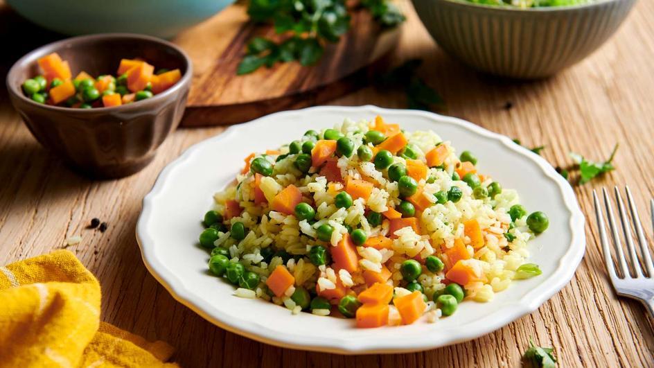 Ryż z groszkiem i marchewką