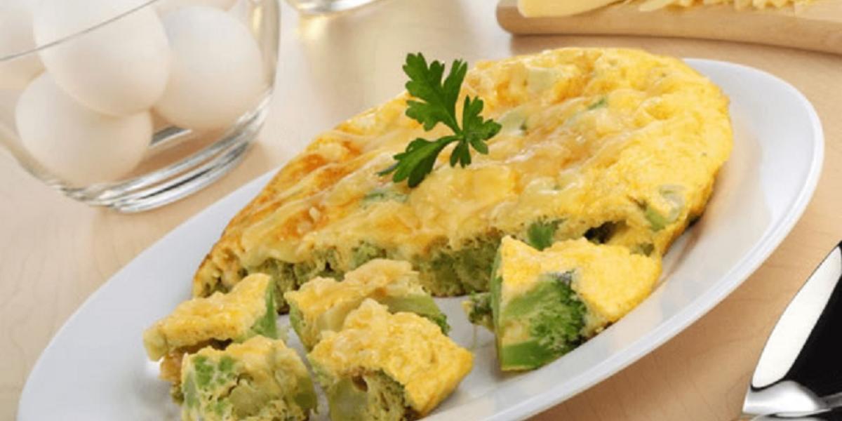 Tortilla de brócoli con queso manchego