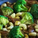 Beef & Broccoli Stir-fry with Cashews