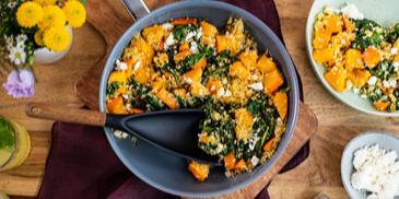 Quinoa-Kürbis-Pfanne mit Spinat
