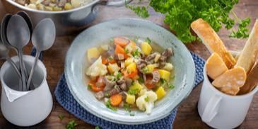 Bunte Rindfleisch-Suppe (Gäste)