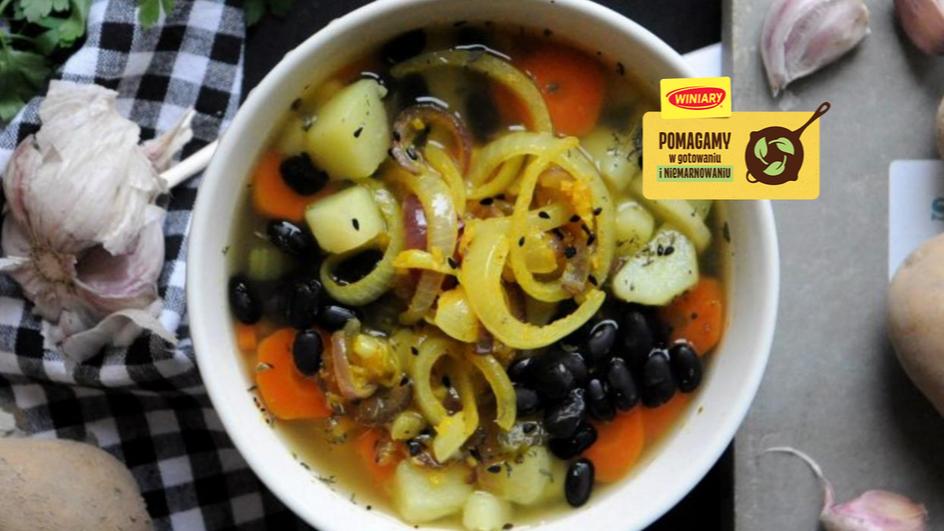Zupa ziemniaczana z karmelizowaną cebulą