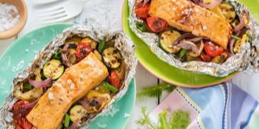 Lachs-Gemüse-Päckchen vom Grill