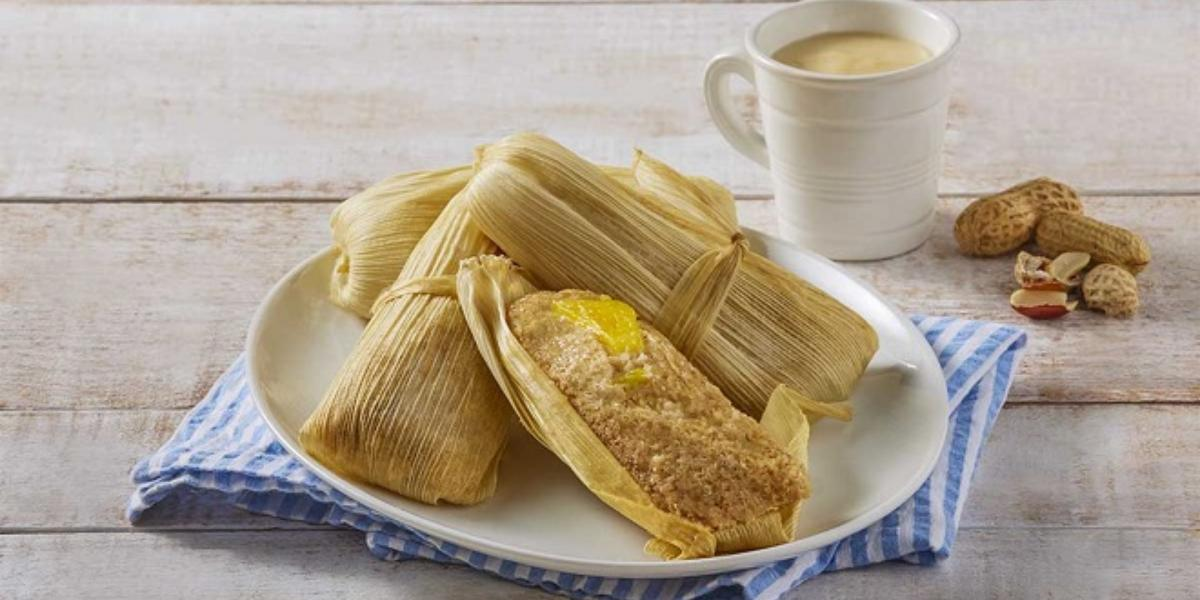 Tamal de cacahuate y piña