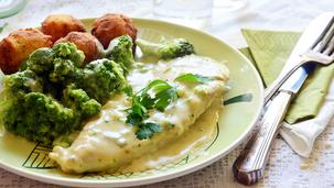 Brokkolis sajtos csirke